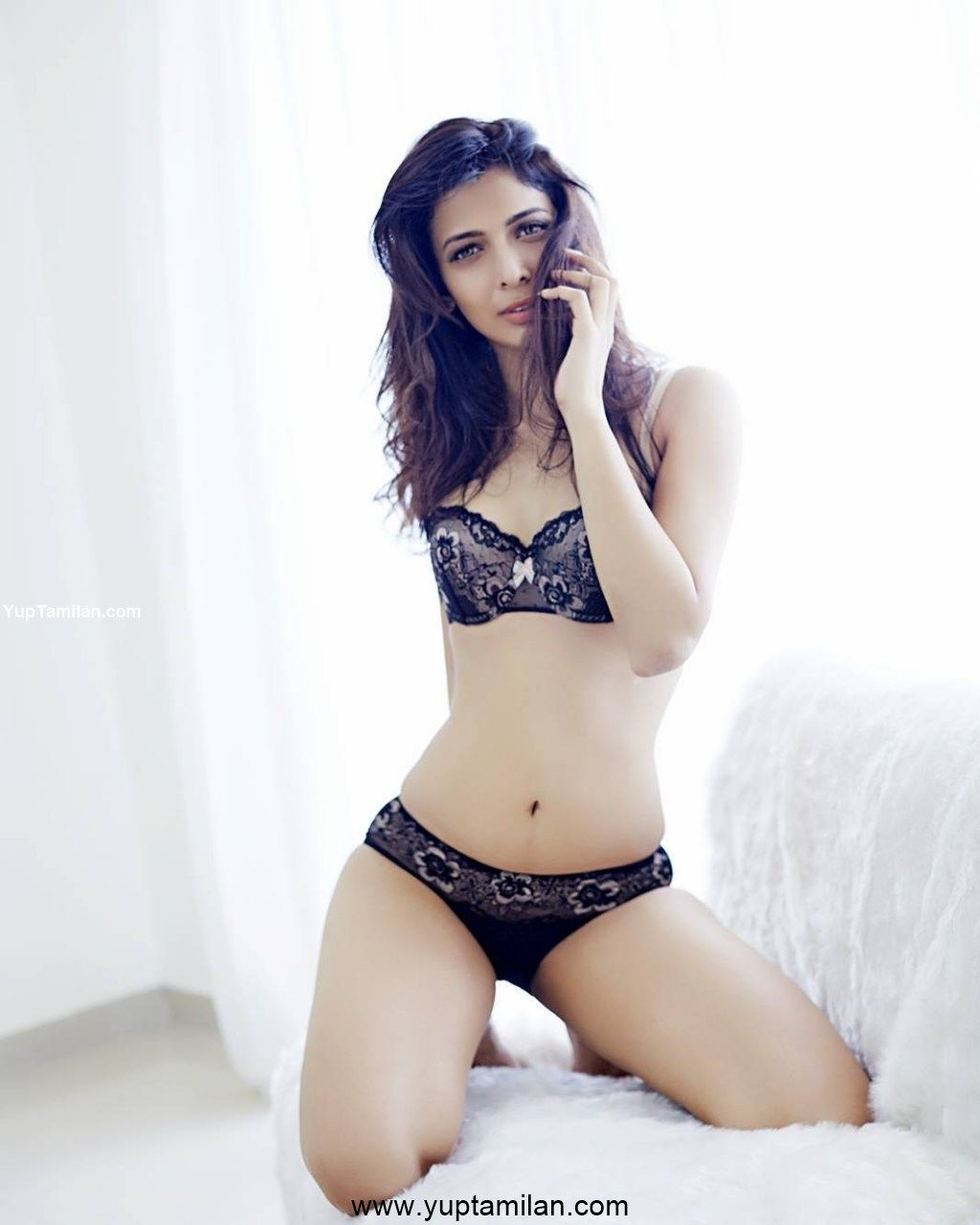Heena Panchal Sexy Bikini Photos-Hottest Cleavage Pictures -6572