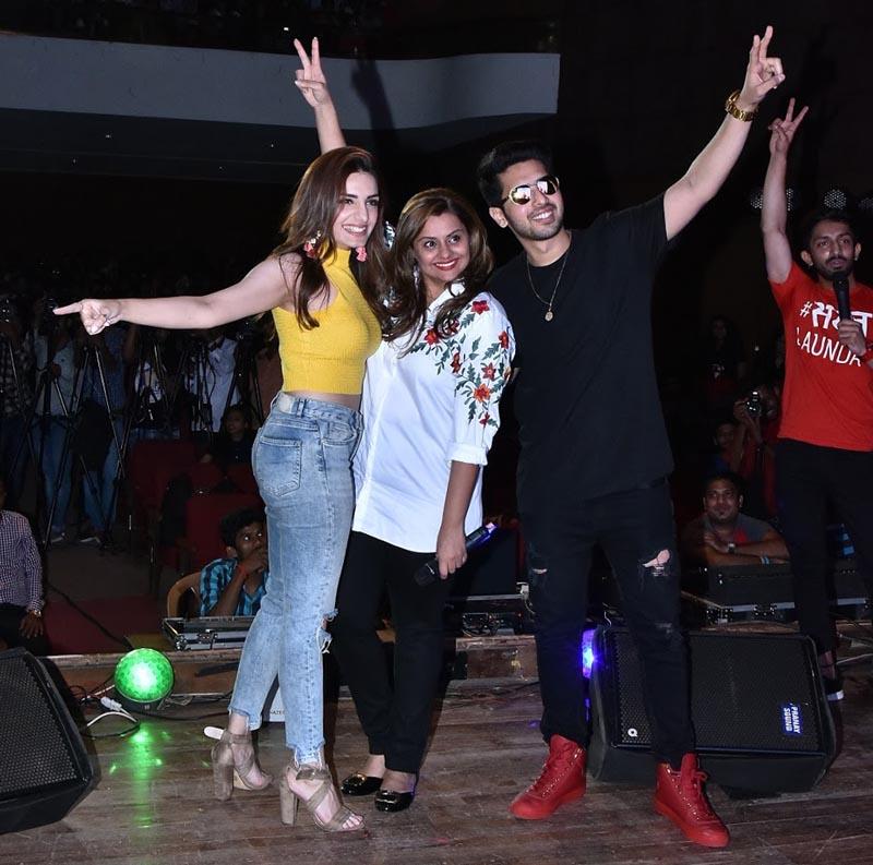 Prakriti Kakar, Deepshikha Deshmukh and Armaan Malik at Dil Juunglee Music Concert