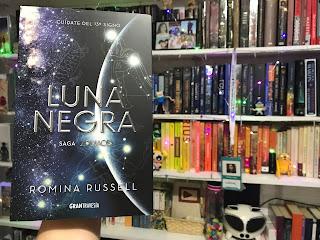 Luna negra Romina Russell