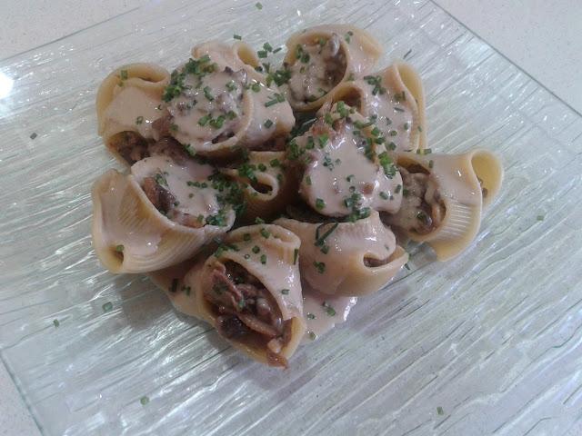 Lumaconi con ternera y boletus y salsa de pate de oca