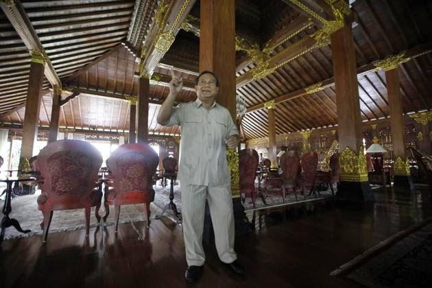 Kemewahan Hidup Prabowo di Tengah Desa yang Tertinggal