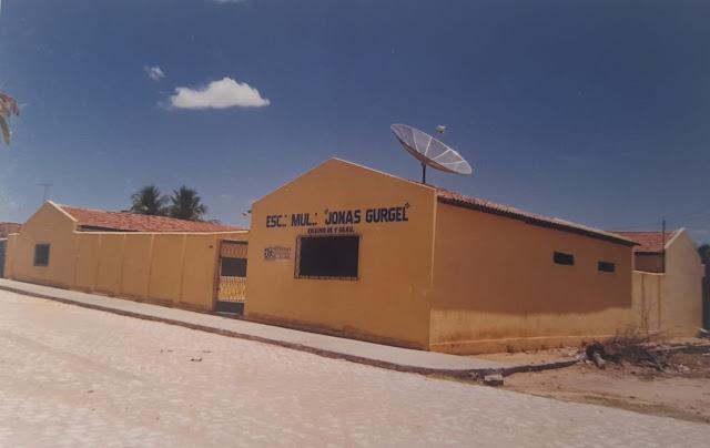 Escola Jonas Gurgel completa 52 anos educando caraubenses com responsabilidade e zelo pela educação caraubense