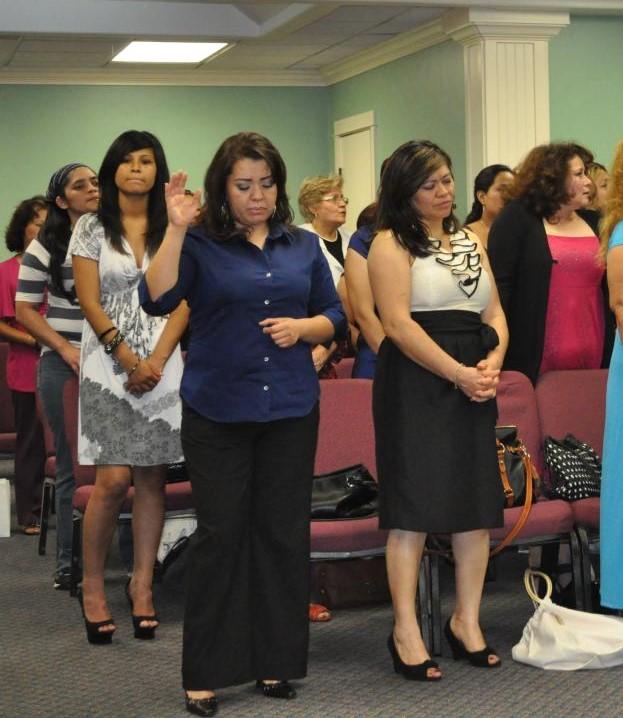Mujeres mal vestidas en la iglesia