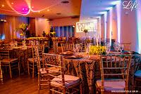casamento realizado na igreja nossa senhora da mont'serrat em porto alegre e recepção no restaurante do novotel da avenida soledade em porto alegre com decoração rústico chic em tons de marrom dourado e amarelo por life eventos especiais