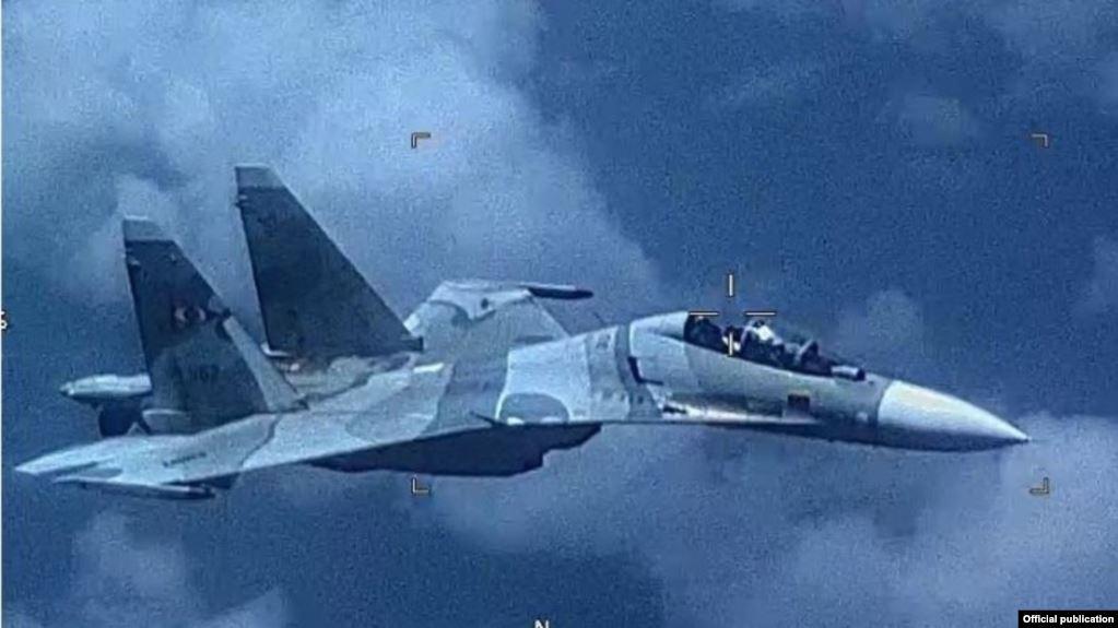 Avión Sukhoi 30 de fabricación rusa, propiedad de la FANB de Venezuela, que según el Comando Sur de EE.UU., se acercó peligrosamente a un avión militar estadounidense que realizaba tareas multinacionales de vigilancia reconocidas y aprobadas en aguas internacionales / OFICIAL
