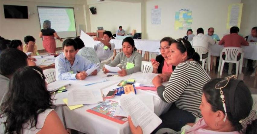 Directivos de colegios de Ucayali se capacitan en gestión y enseñanza