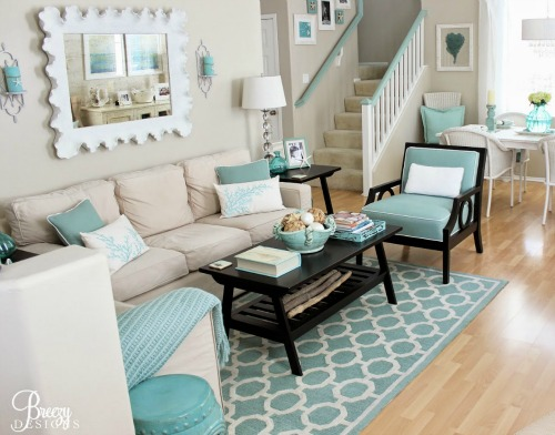 Beige aqua decor to create a calm breezy beach for Green and beige living room ideas