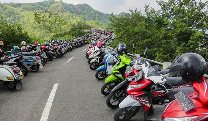 Area Parkir Motor Gunung Kelud