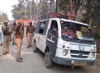 गौरीफंटा बॉर्डर पर डग्गामार वाहनों की प्रमुखता से छपी खबर का हुआ असर