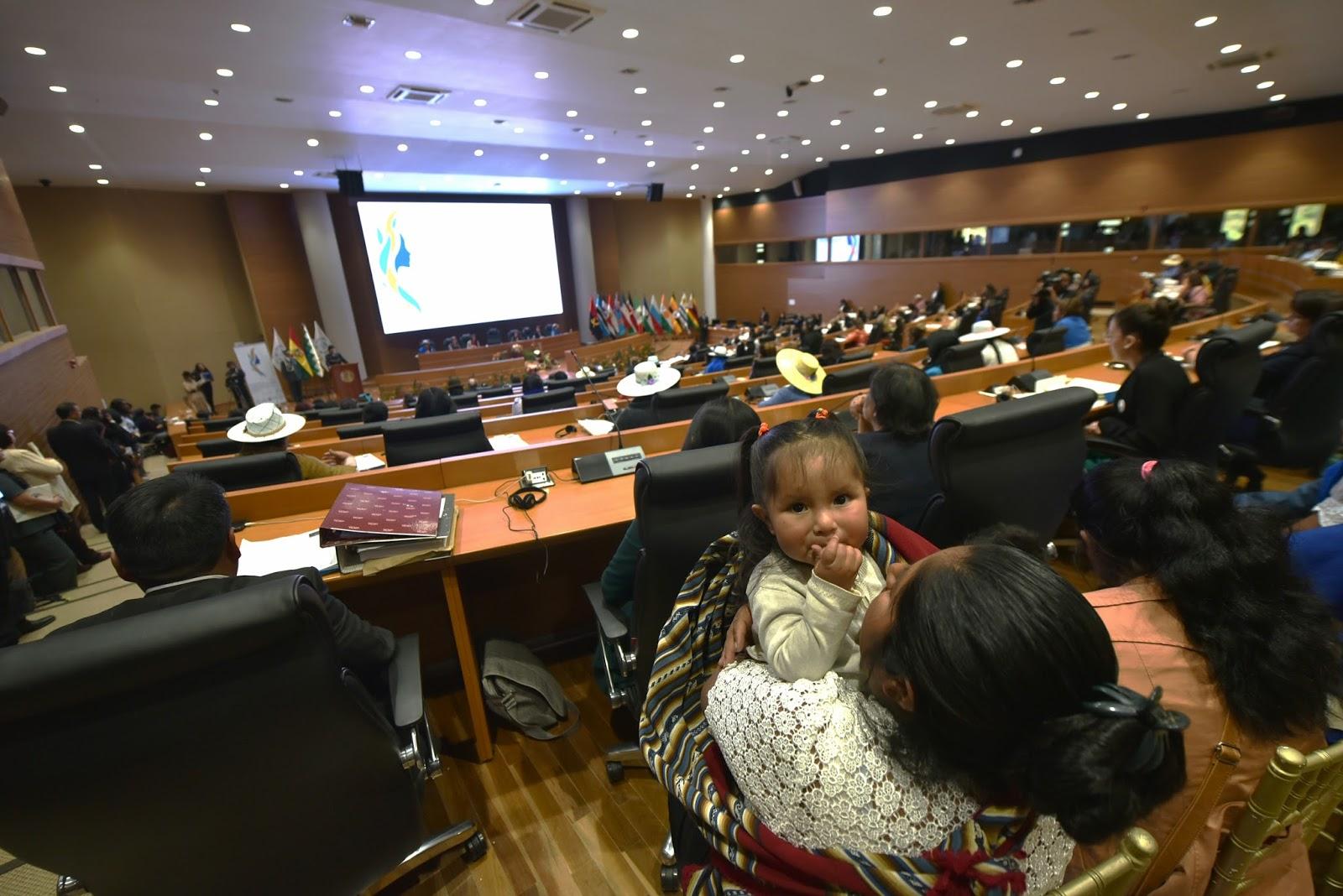 Cumbre de mujeres estrenó la lujosa sede internacional edificada en San Benito / ABI