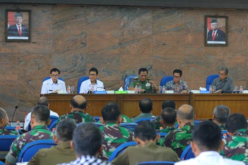 Pangdam III/ Siliwangi Pimpin Rapat Evaluasi Satgas Citarum Harum