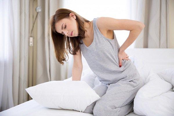 Thiếu dinh dưỡng sau sinh gây ra đau lưng