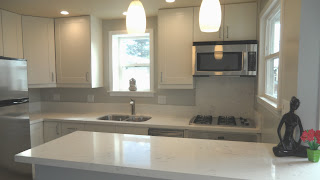 beach cottage Mission Boulevard modern kitchen