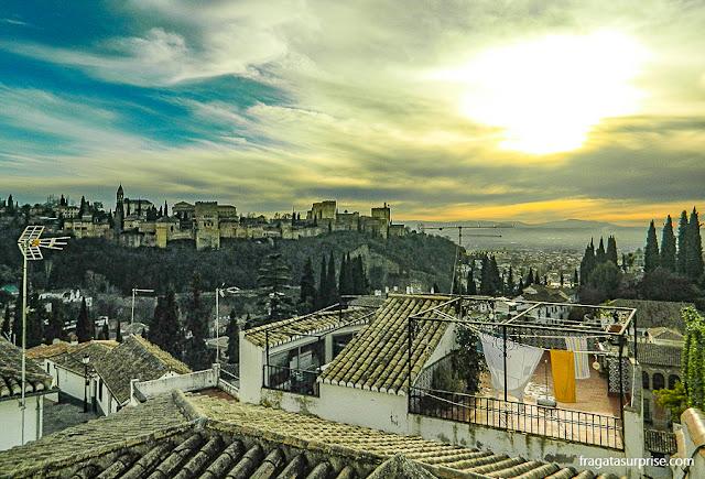a Alhambra vista do bairro mouro do Albaicín, Granada