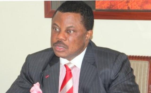 Anambra: Man disrupts Gov Obiano's speech at media summit