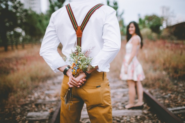 7 Secret signs of a man love you sincerely | Ghufron Relationship xyz