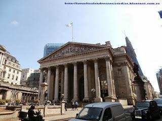 Fachada principal de la Bolsa de Londres