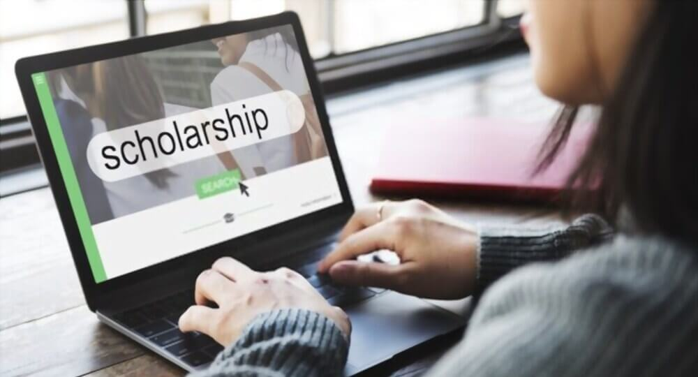 Top Scholarship programs for indian students