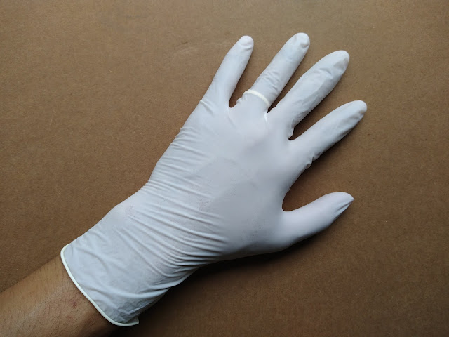 Găng tay cao su y tế mỏng malaysia