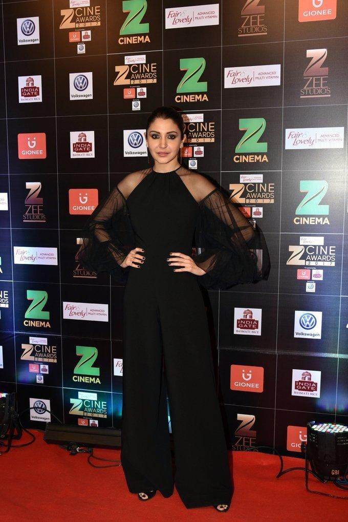 Indian Actress Anushka Sharma At Zee Cine Awards 2017