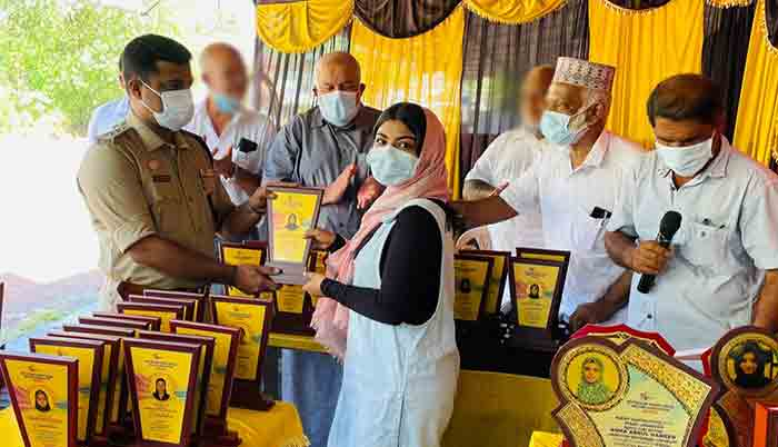 Winners felicitated by Kiswa Kottikulam