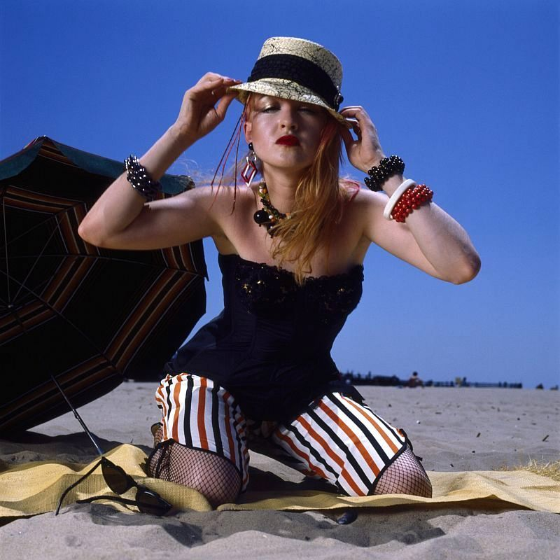 "Stunning Photos of Cyndi Lauper at Coney Island For Her Album ""She's So Unusual"" in 1983"
