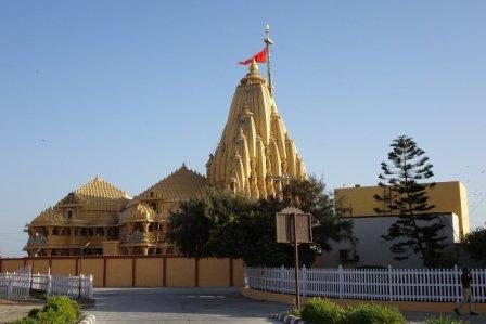 Who is the richest temple of India?