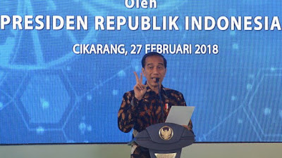 Saat Tanggapi Prediksi Prabowo Indonesia Bubar 2030, Jokowi Tertawa