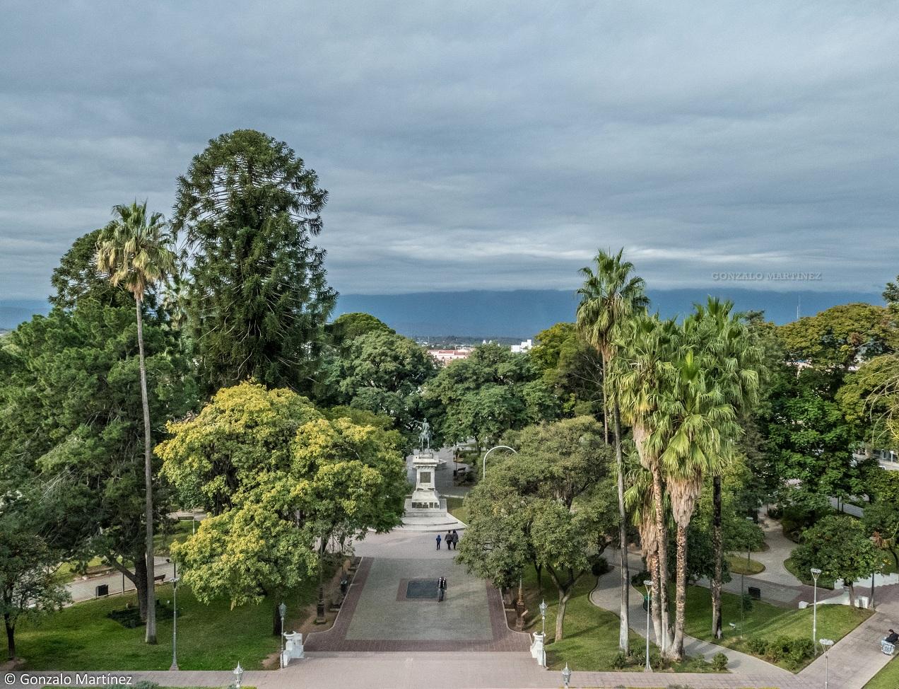 Paisajes Y Naturaleza De Catamarca Plaza 25 De Mayo Y Catedral Basilica