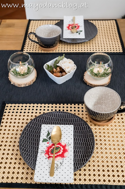 Dekorierter Tisch für einen Kaffee-Nachmittag