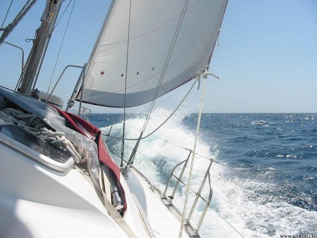 Ημιβύθιση ιστιοφόρου σκάφους στα Μέθανα - Καλά στην υγεία τους 4 επιβαίνοντες