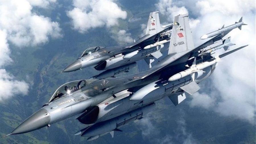Ελληνοτουρκικά: 29 παραβιάσεις και 3 εικονικές αερομαχίες στο Αιγαίο