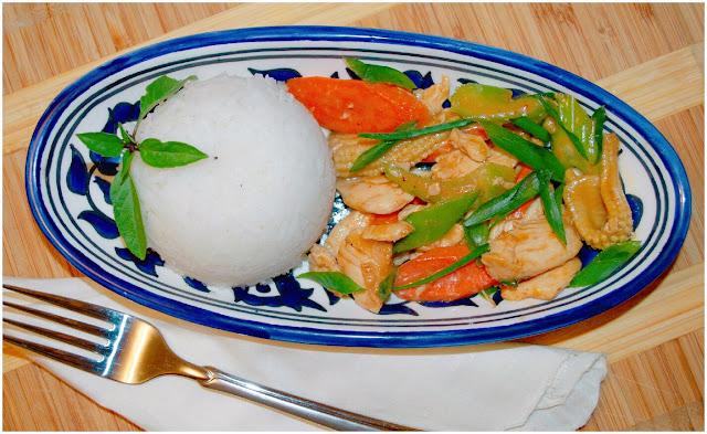 Chicken & Veggie Thai-Style Stirfry