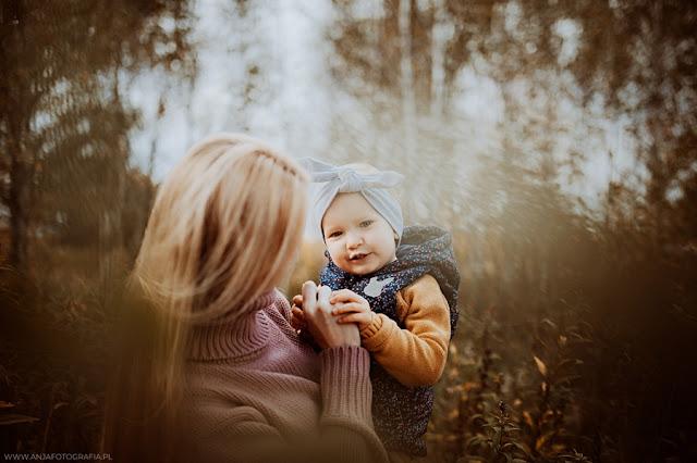 Mama i córka - jesienna sesja fotograficzna - Łomianki - Zobacz więcej