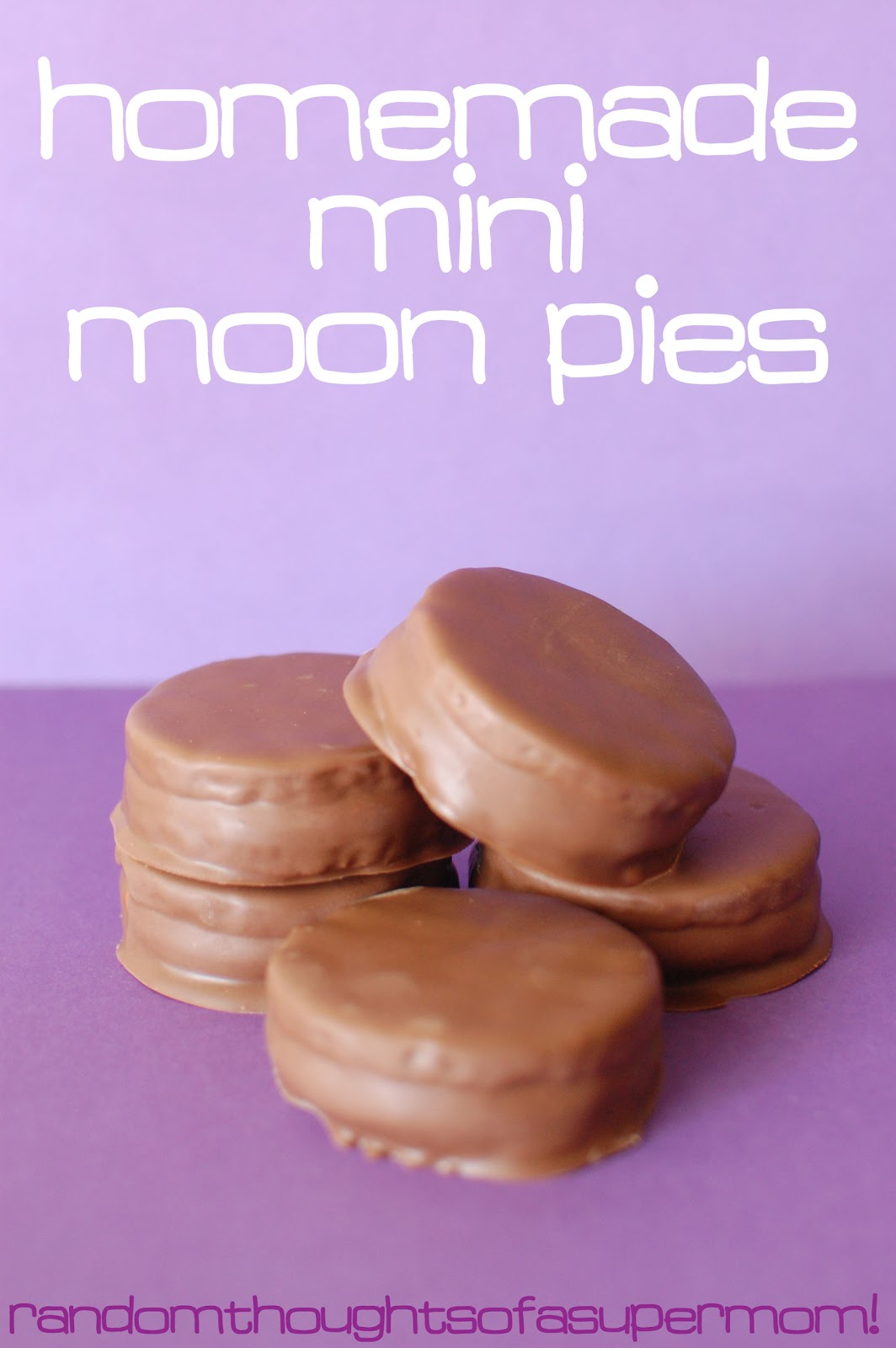 Mar 04, · Homemade moon pies are a traditional Southern treat. Marshmallows are nestled between two graham cracker cookies and covered in chocolate. Holy sinful goodness ya'll/5(2).