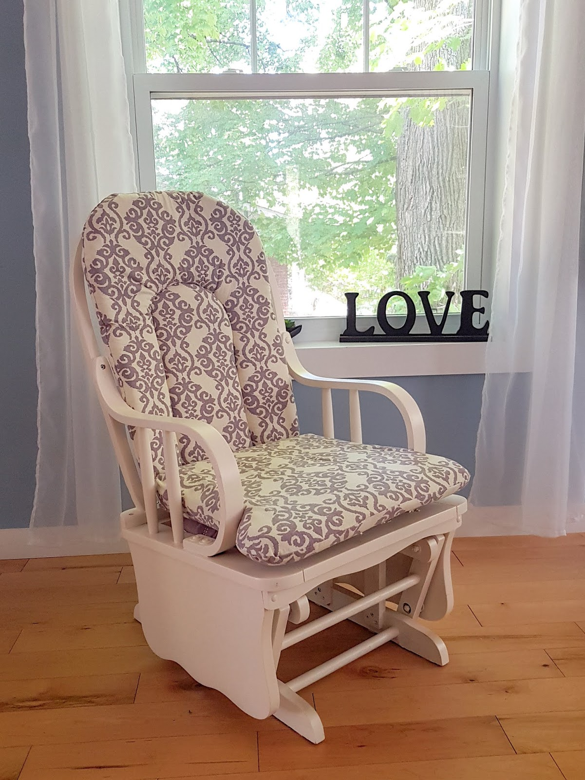 how I refurbished an old Rocking chair for cheap. Easy Tutorial