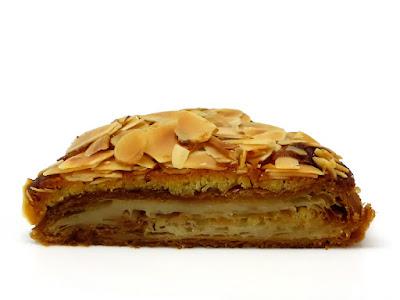 クロワッサン・オ・ザマンド(Croissant aux amandes) | Le Petit Mec(ル・プチメック)