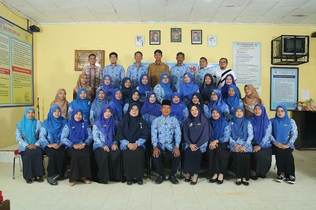Foto Bersama Majelis Guru SMAN 1 Sungai Beremas