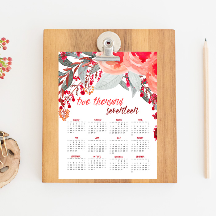 Free Printable Calendar | Download this beautiful watercolor free printable calendar just in time for 2017.