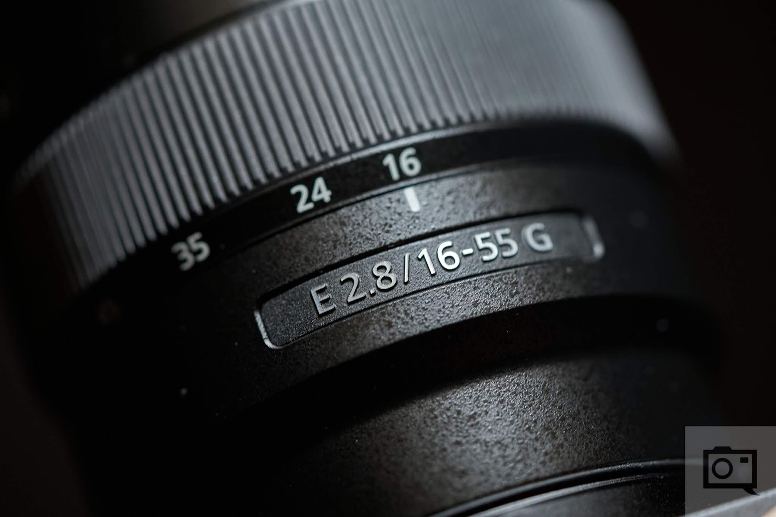 Деталь объектива Sony E 16-55mm f/2.8 G