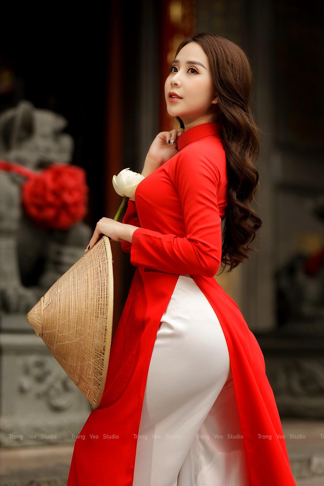 Ngắm hot girl Lục Anh xinh đẹp như hoa không sao tả xiết trong tà áo dài truyền thống - 10