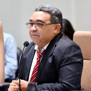 Vereador Nal vota pela derrubada de veto do prefeito Marcus Diogo e apoia vacinação de professores da rede Municipal.