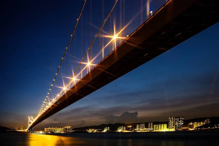 China. Hong Kong. Tsingma Bridge. The main span - 1 377 m. (流 璃)