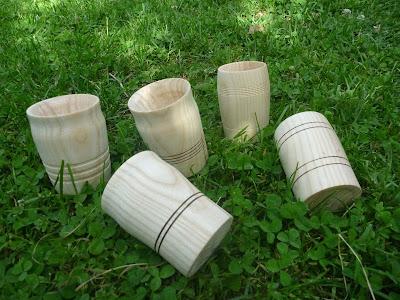 Holzbecher für historisches Freilichtspiel No e Wili