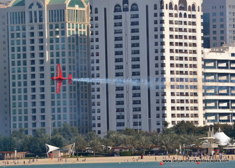 Red Bull Air Race in Abu Dhabi Corniche 1