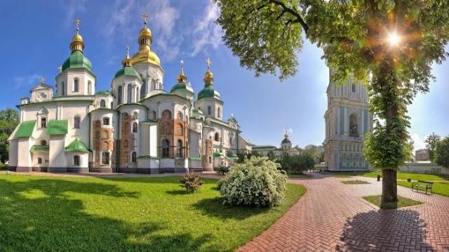 A Catedral de Santa Sofia é realmente linda, né?!