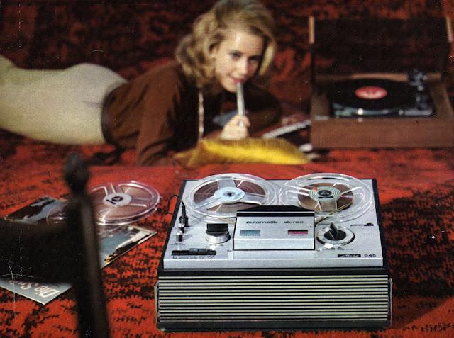 Retro Hi-Fi Girl Friday