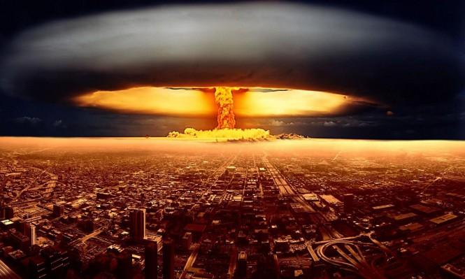التفاعلات النووية والقنابل النووية .