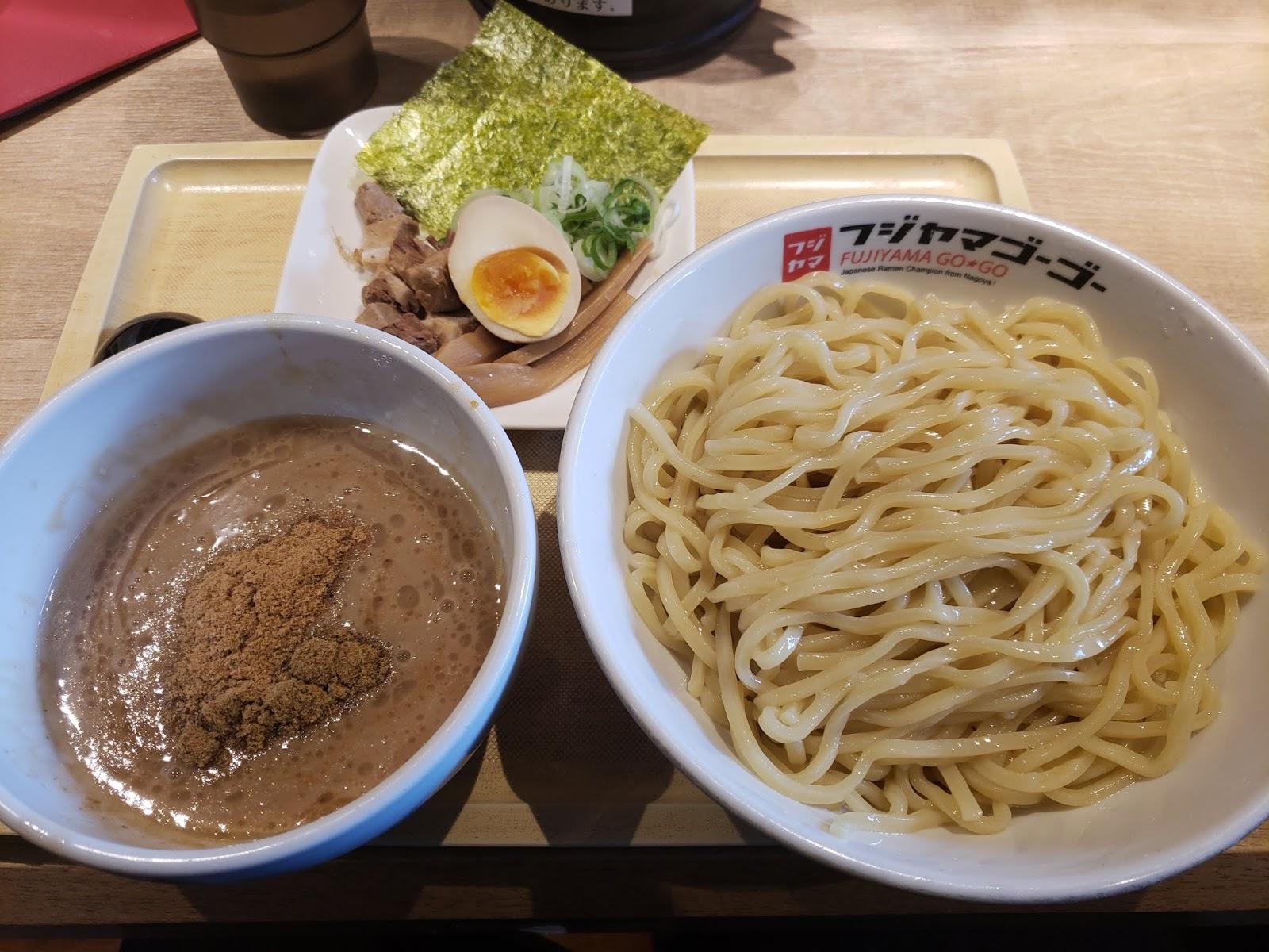 フジヤマ55(メイカーズピア店)濃厚つけ麺