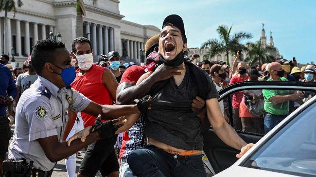 Seorang Frater dan Imam Dipenjara Usai Mengikuti Demonstrasi di Kuba